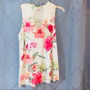 Gaze floral A -line Key hole  tank top small